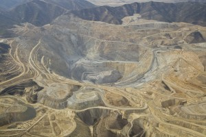 Kennecott-mining-pit-from-the-air